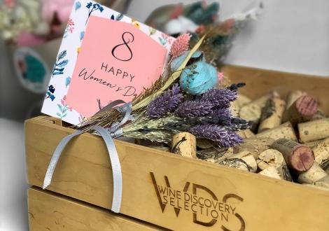 Женщины и вино: за изобретательниц и муз!